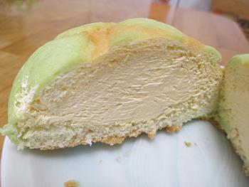 ホイップメロンパン富良野メロン