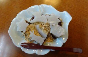 川崎大師仲見世通り『住吉』でご紹介した動物や星の形に切り取った久寿餅
