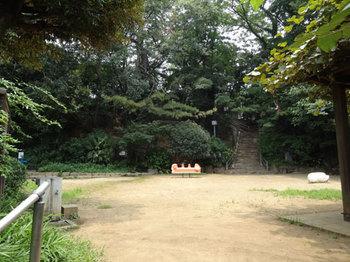 千鳥児童公園の広場
