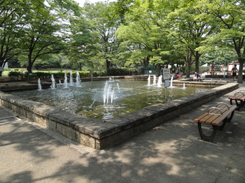 萩中公園噴水.png